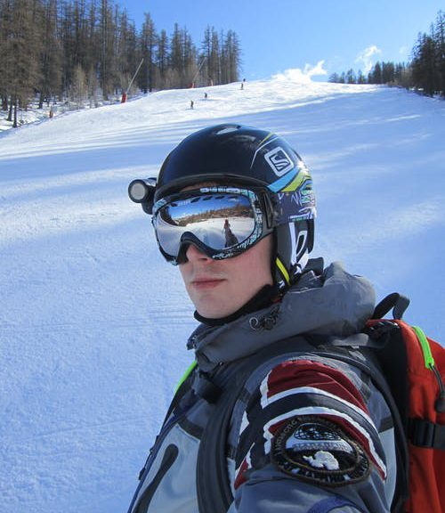 Ski helm met vizier